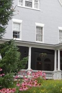 Simsbury 1820 House.